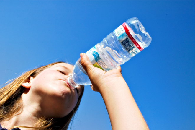 hydrating drinking water